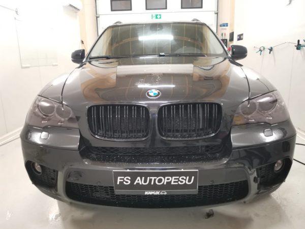 BMW:n OC Haalean mustat lamppukalvot
